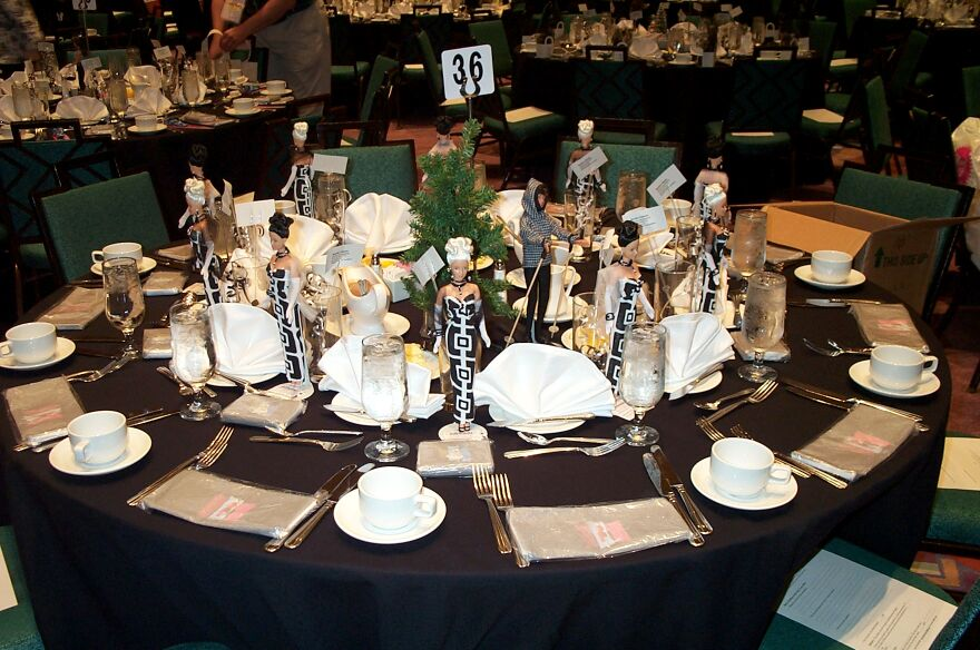 Decorated Tables national barbie convention 2003-black & white dinner
